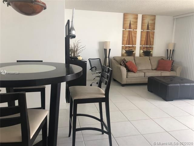 Sea Air Towers for Sale - 3725 S Ocean Dr, Unit 1025, Hollywood 33019, photo 9 of 61