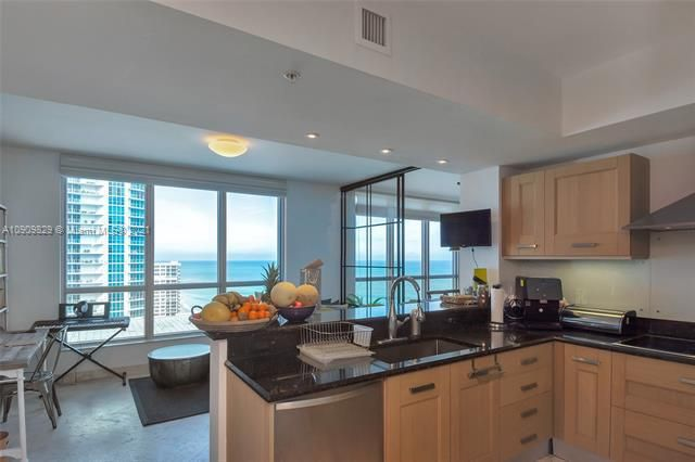 Diplomat Oceanfront Residences for Sale - 3535 E Ocean Dr, Unit 1902, Hollywood 33019, photo 13 of 37
