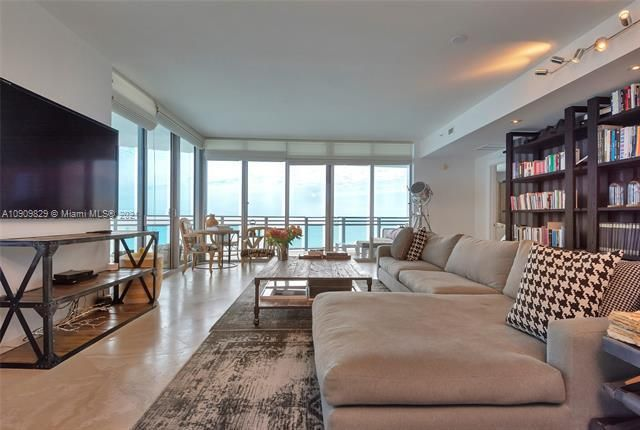 Diplomat Oceanfront Residences for Sale - 3535 E Ocean Dr, Unit 1902, Hollywood 33019, photo 4 of 37