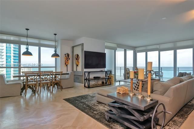 Diplomat Oceanfront Residences for Sale - 3535 E Ocean Dr, Unit 1902, Hollywood 33019, photo 9 of 37