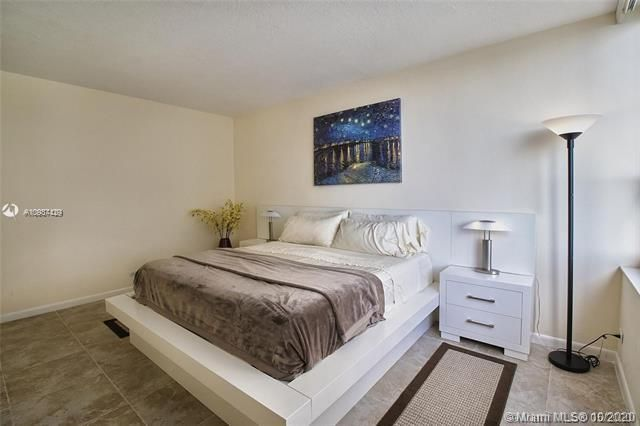 Alexander Towers for Sale - 3505 S Ocean Dr, Unit 908, Hollywood 33019, photo 15 of 19