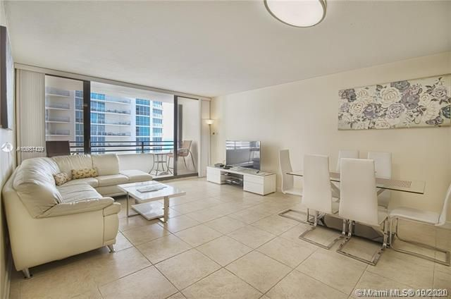 Alexander Towers for Sale - 3505 S Ocean Dr, Unit 908, Hollywood 33019, photo 7 of 19