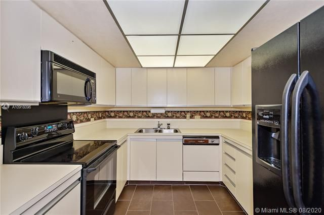 Summit for Sale - 1201 S Ocean Dr, Unit 218N, Hollywood 33019, photo 5 of 36