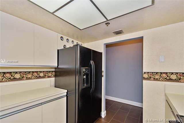 Summit for Sale - 1201 S Ocean Dr, Unit 218N, Hollywood 33019, photo 6 of 36