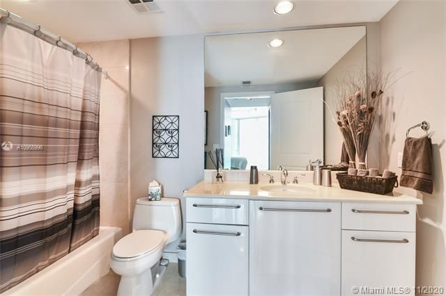 Ocean Palms for Sale - 3101 S Ocean Dr, Unit 1206, Hollywood 33019, photo 16 of 33
