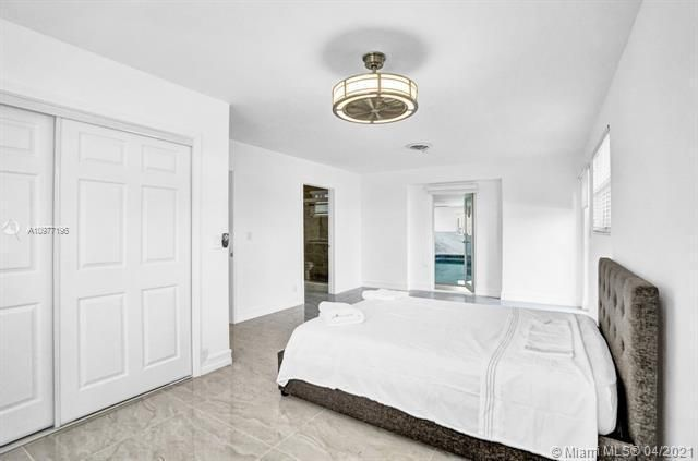 Ocean View Golf Add for Sale - 325 SE 4th Ave, Dania 33004, photo 12 of 19