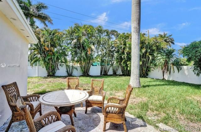 Ocean View Golf Add for Sale - 325 SE 4th Ave, Dania 33004, photo 18 of 19