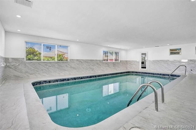 Ocean View Golf Add for Sale - 325 SE 4th Ave, Dania 33004, photo 4 of 19
