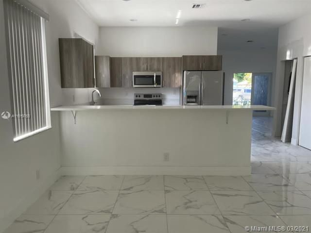 Modelo Park for Sale - 225 SW 3rd Ter, Dania 33004, photo 17 of 17