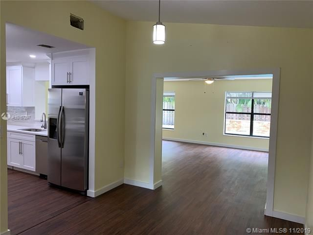 Flamingo Gardens for Sale - 11529 SW 51st Ct, Cooper City 33330, photo 3 of 28