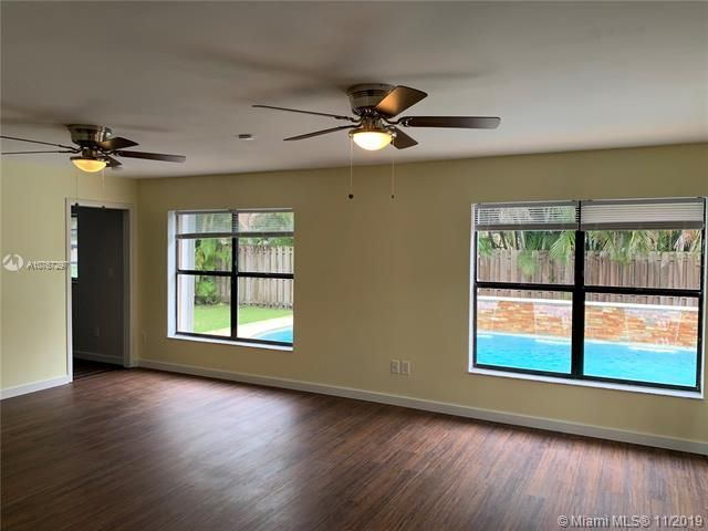 Flamingo Gardens for Sale - 11529 SW 51st Ct, Cooper City 33330, photo 4 of 28