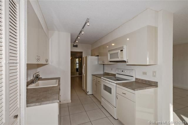 Summit for Sale - 1201 S Ocean Dr, Unit 1009N, Hollywood 33019, photo 6 of 28