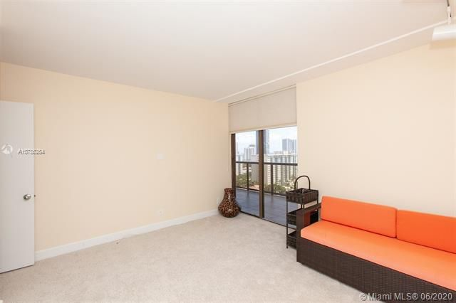 Turnberry Isle for Sale - 19667 Turnberry Way, Unit 19L, Aventura 33180, photo 11 of 44