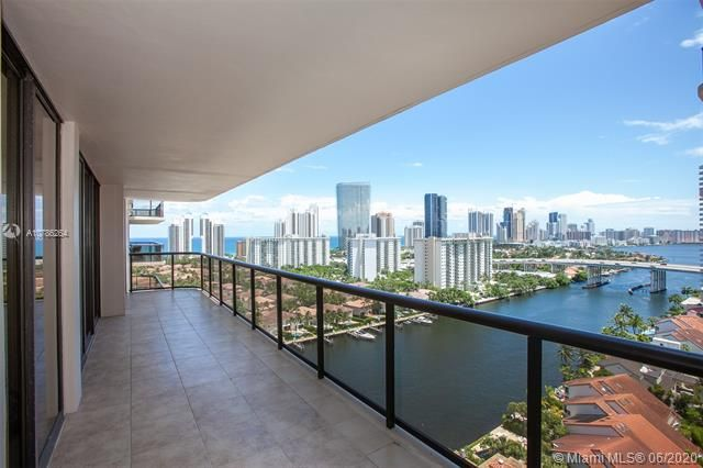 Turnberry Isle for Sale - 19667 Turnberry Way, Unit 19L, Aventura 33180, photo 14 of 44