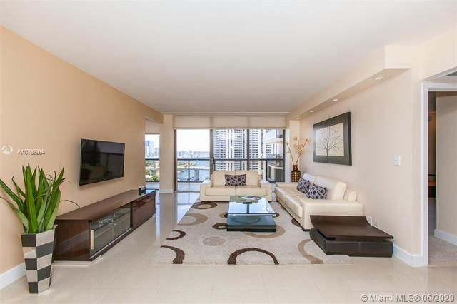 Turnberry Isle for Sale - 19667 Turnberry Way, Unit 19L, Aventura 33180, photo 2 of 44