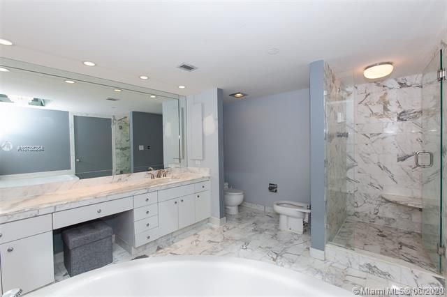 Turnberry Isle for Sale - 19667 Turnberry Way, Unit 19L, Aventura 33180, photo 22 of 44
