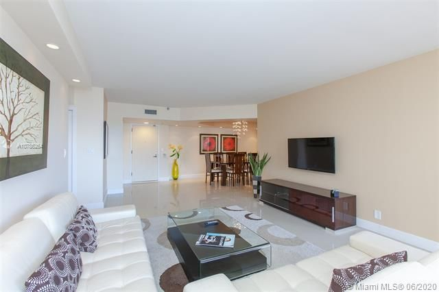 Turnberry Isle for Sale - 19667 Turnberry Way, Unit 19L, Aventura 33180, photo 7 of 44