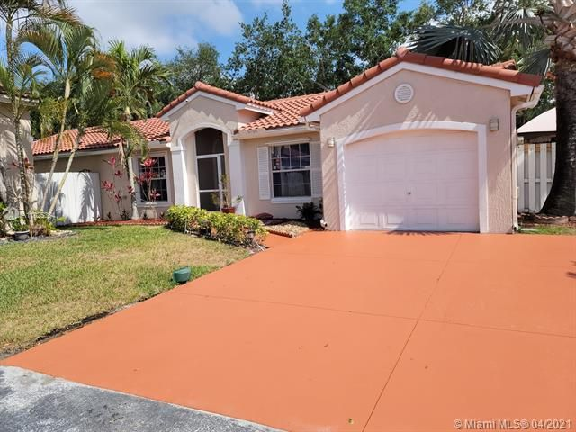 Winston Park Sec 3 for Sale - 6100 NW 43rd Ave, Coconut Creek 33073, photo 1 of 36