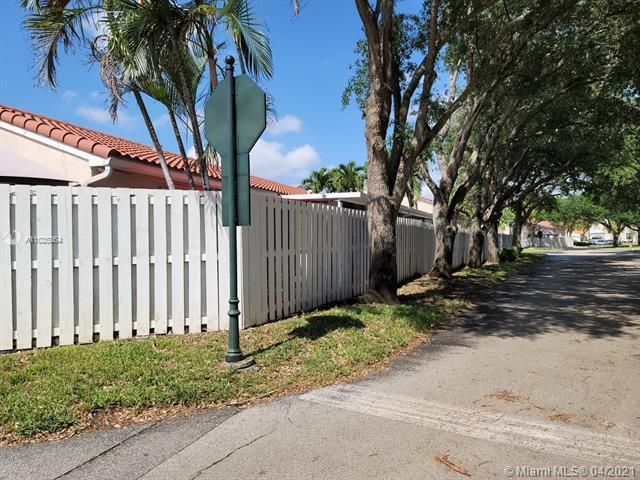 Winston Park Sec 3 for Sale - 6100 NW 43rd Ave, Coconut Creek 33073, photo 5 of 36