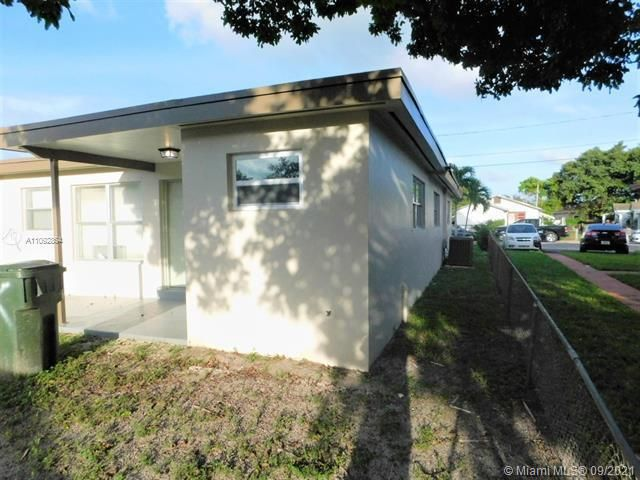 George M Phippens Sub for Sale - 34 SW 7th Ave, Dania 33004, photo 26 of 26