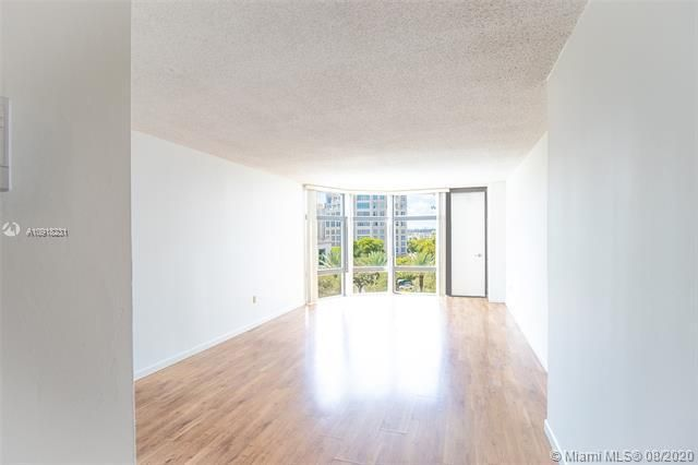 Bonavida for Sale - 20100 W Country Club Dr, Unit 608, Aventura 33180, photo 3 of 26