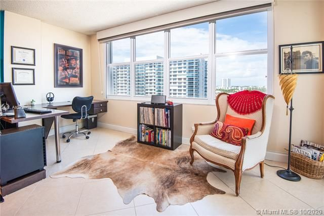Sea Air Towers for Sale - 3725 S Ocean Dr, Unit 1127, Hollywood 33019, photo 10 of 35