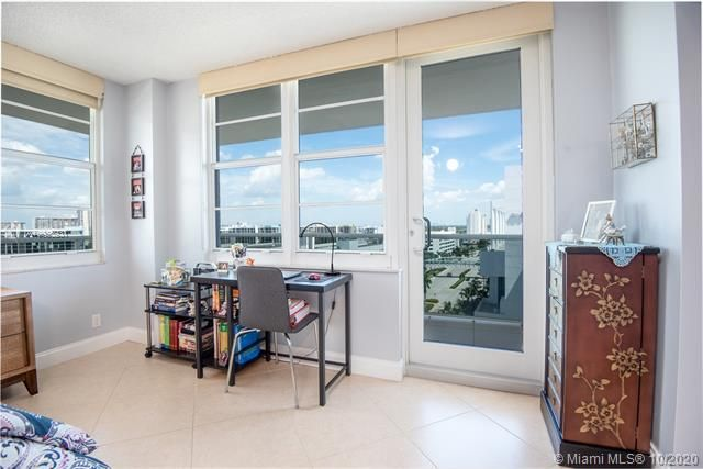 Sea Air Towers for Sale - 3725 S Ocean Dr, Unit 1127, Hollywood 33019, photo 15 of 35