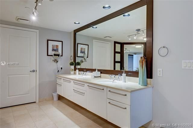 Ocean Palms for Sale - 3101 S Ocean Drive, Unit 3408, Hollywood 33019, photo 33 of 71