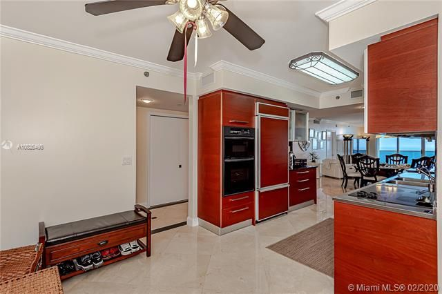 Beach Club I for Sale - 1850 S Ocean Dr, Unit 4003, Hallandale 33009, photo 12 of 36