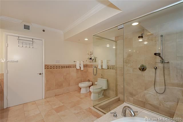 Beach Club I for Sale - 1850 S Ocean Dr, Unit 4003, Hallandale 33009, photo 19 of 36