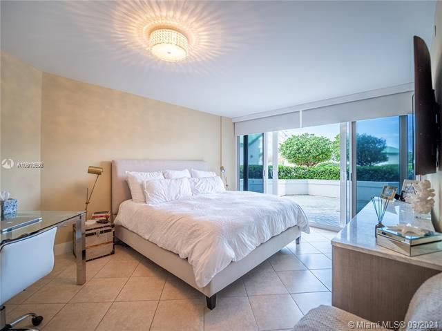 Sands Pointe for Sale - 16711 Collins Ave, Unit 604, Sunny Isles 33160, photo 10 of 32