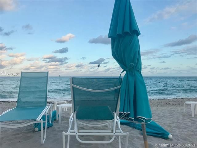 Sands Pointe for Sale - 16711 Collins Ave, Unit 604, Sunny Isles 33160, photo 18 of 32