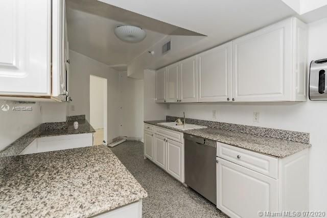 Sands Pointe for Sale - 16711 Collins Ave, Unit 1007, Sunny Isles 33160, photo 12 of 25