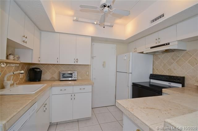 Alexander Towers for Sale - 3505 S Ocean Dr, Unit 1416, Hollywood 33019, photo 2 of 12