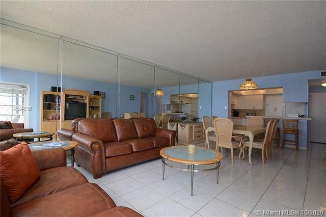 Alexander Towers for Sale - 3505 S Ocean Dr, Unit 1416, Hollywood 33019, photo 4 of 12