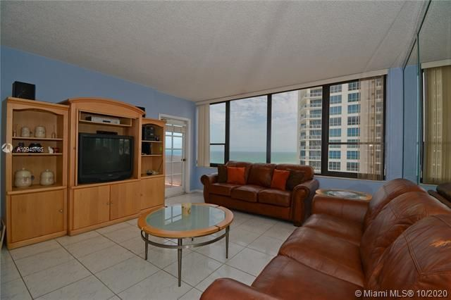 Alexander Towers for Sale - 3505 S Ocean Dr, Unit 1416, Hollywood 33019, photo 5 of 12