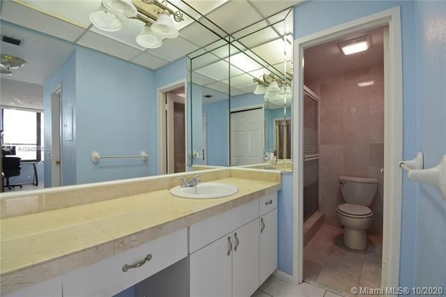 Alexander Towers for Sale - 3505 S Ocean Dr, Unit 1416, Hollywood 33019, photo 7 of 12