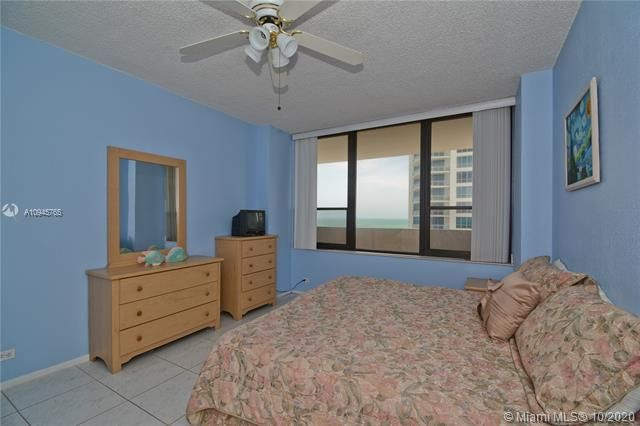 Alexander Towers for Sale - 3505 S Ocean Dr, Unit 1416, Hollywood 33019, photo 8 of 12