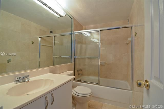 Alexander Towers for Sale - 3505 S Ocean Dr, Unit 1416, Hollywood 33019, photo 9 of 12