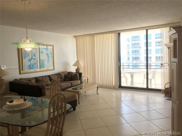 Alexander Towers for Sale - 3505 S Ocean Dr, Unit 917, Hollywood 33019, photo 4 of 12