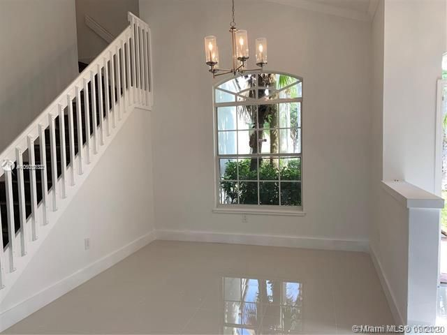 Silver Lakes At Pembroke for Sale - 17570 NW 10th St, Pembroke Pines 33029, photo 6 of 30