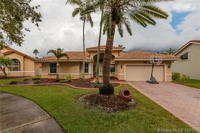 Silver Lakes At Pembroke for Sale - 1593 NW 182nd Way, Pembroke Pines 33029, photo 1 of 51