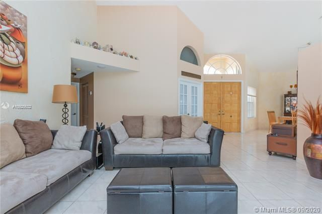 Silver Lakes At Pembroke for Sale - 1593 NW 182nd Way, Pembroke Pines 33029, photo 10 of 51