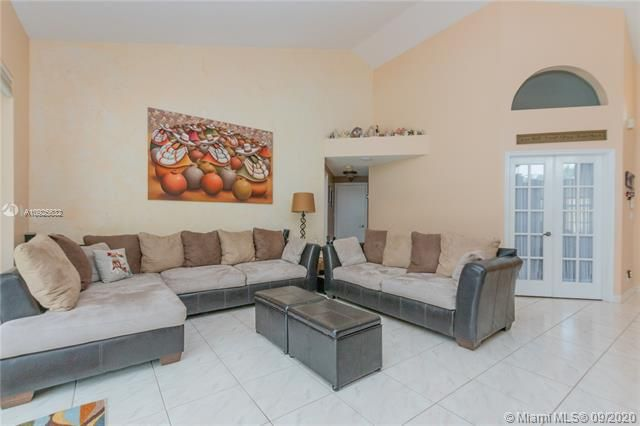 Silver Lakes At Pembroke for Sale - 1593 NW 182nd Way, Pembroke Pines 33029, photo 13 of 51