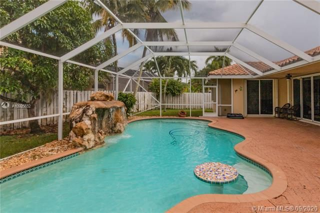 Silver Lakes At Pembroke for Sale - 1593 NW 182nd Way, Pembroke Pines 33029, photo 2 of 51
