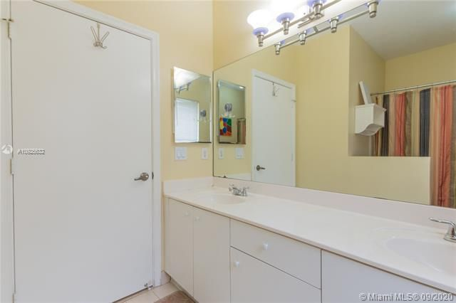 Silver Lakes At Pembroke for Sale - 1593 NW 182nd Way, Pembroke Pines 33029, photo 24 of 51
