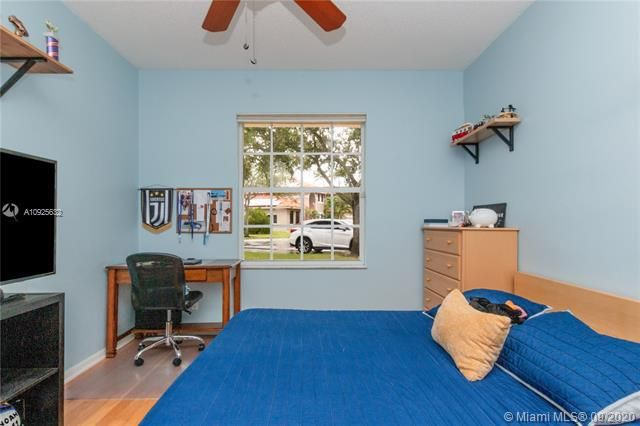 Silver Lakes At Pembroke for Sale - 1593 NW 182nd Way, Pembroke Pines 33029, photo 26 of 51