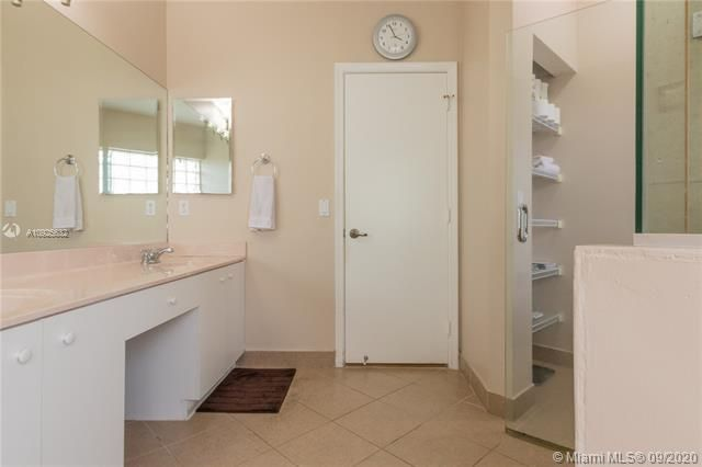 Silver Lakes At Pembroke for Sale - 1593 NW 182nd Way, Pembroke Pines 33029, photo 32 of 51