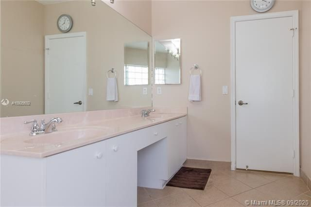 Silver Lakes At Pembroke for Sale - 1593 NW 182nd Way, Pembroke Pines 33029, photo 33 of 51