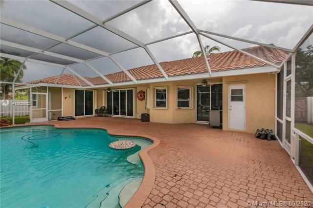 Silver Lakes At Pembroke for Sale - 1593 NW 182nd Way, Pembroke Pines 33029, photo 40 of 51